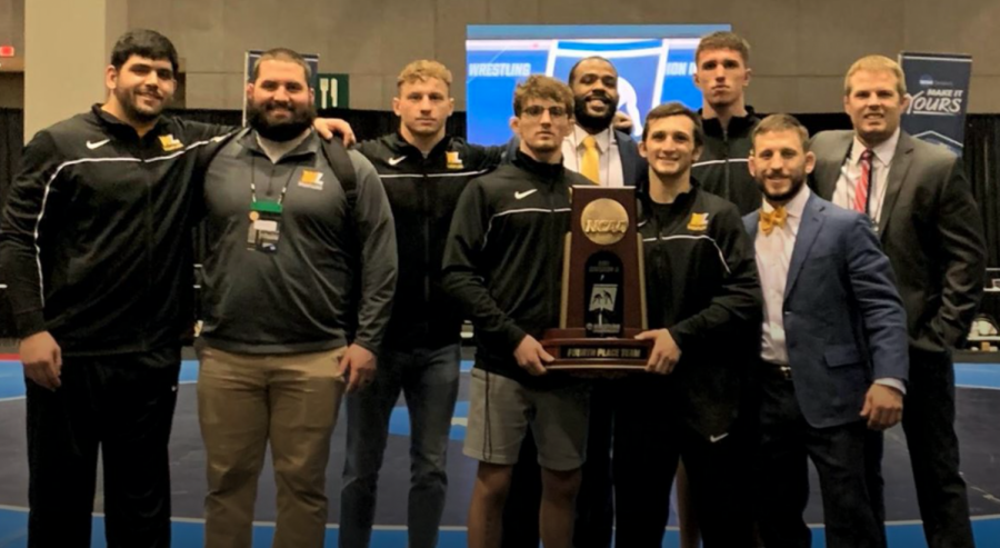 WLU Wrestling turns heads on national stage in St. Louis