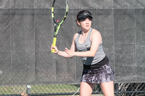 Women's tennis secure spot in playoffs; Men's tennis qualify despite tough loss